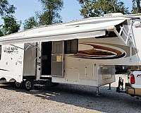 eagle-jayco-rv-with-propane